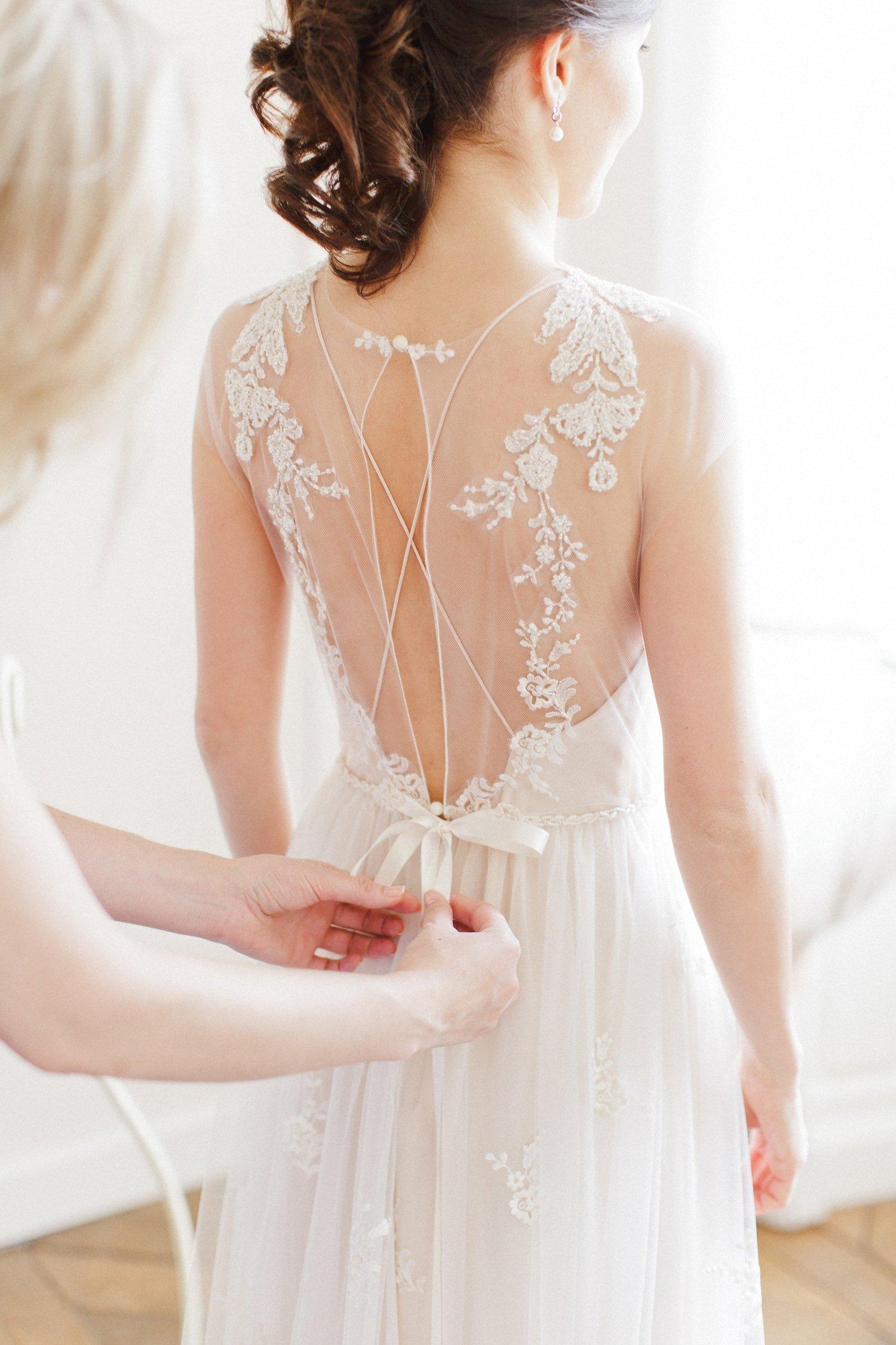7a42537b1c999ed Точная реплика платья по вашей фотографии. Многие невесты присылают  картинки, где в одном платье нравится лиф, в другом спинка, а где-то юбка.